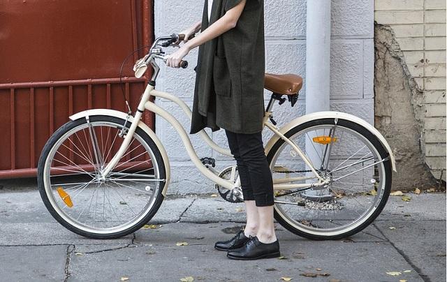 クロスバイクの乗り方と降り方